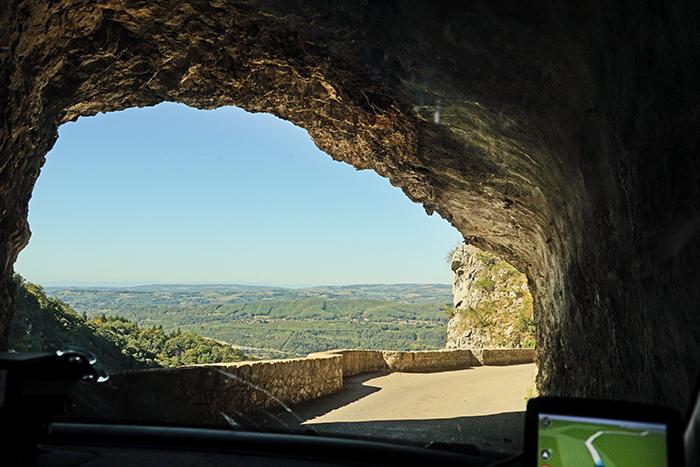 autoroute door de bergen tijdens deelname aan nrs autorecreatie alpen toerrally
