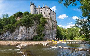 Château de Walzin tijdens nrs autorecreatie reis ardennen classic